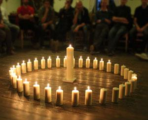 Cesta pravého muže - svíčky - titulka